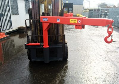 Hydraulically Extendable Slewing Jib
