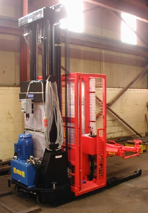 Mains powered stacker truck with cask handling attachment
