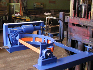 hydraulically-powered-drum-rotating-attachment